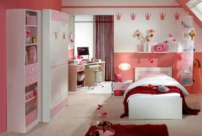 Girl's Bedroom: Colors & Designs