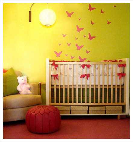 Baby girls 39 nursery decorating ideas interior design for Baby room wall decoration
