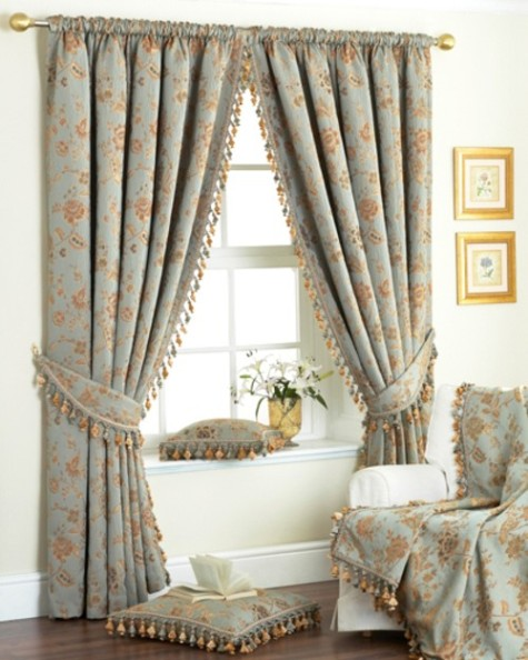 Bedroom curtains choosing bedroom curtains interior design for Bedroom curtains designs