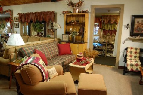 French country living room designs interior design for Country style family room ideas