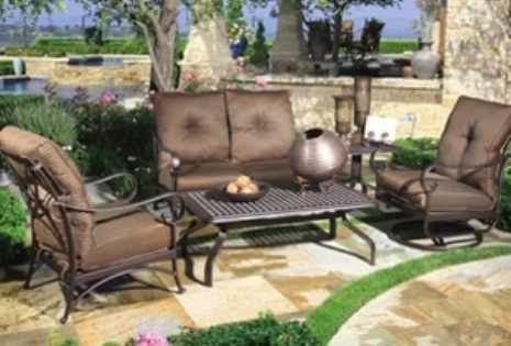 How to choose irresistible outdoor cushions