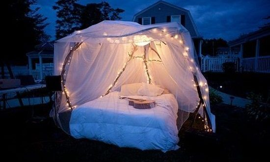 Romantic Outdoor Canopy Beds Interior Design
