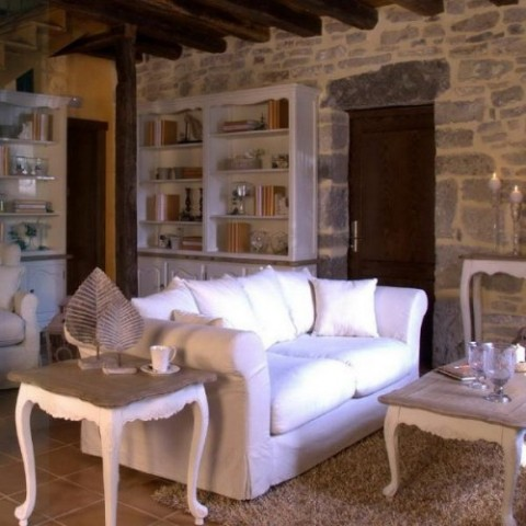 Rustic living room furniture interior design for Living room ideas rustic