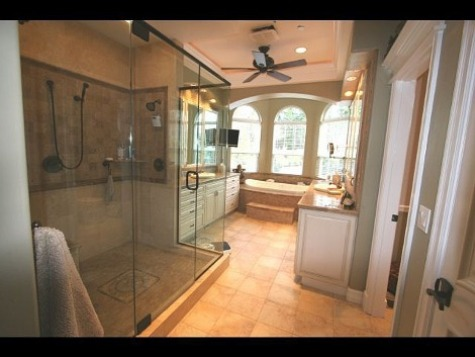 Innovative bathroom decorating ideas interior design for Big bathroom designs