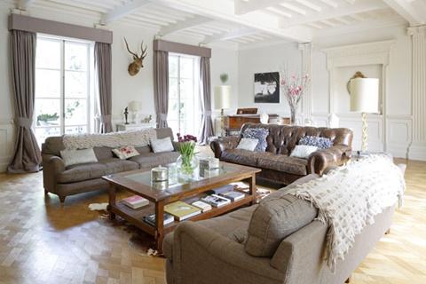 Living Room Interior Decorating ideas 8