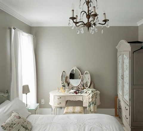 Mirrored Furniture in the Bedroom 5