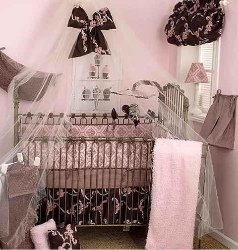 decorating a Baby Girl's Room 11
