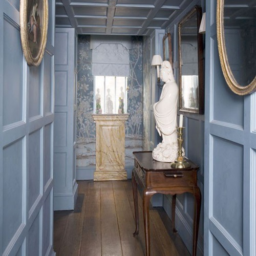 Best decorating ideas for small hallways