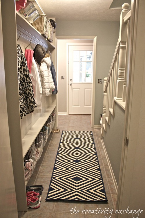 Best decorating ideas for small hallways interior design for Small hall design