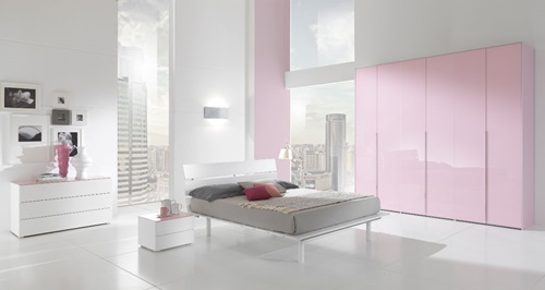 How to Decorate a bedroom in White