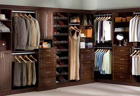 Great ideas for multifunctional master bedroom closets for Master bedroom closet