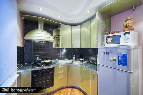 Outstanding space saving solutions for small kitchens for Small kitchen solutions design