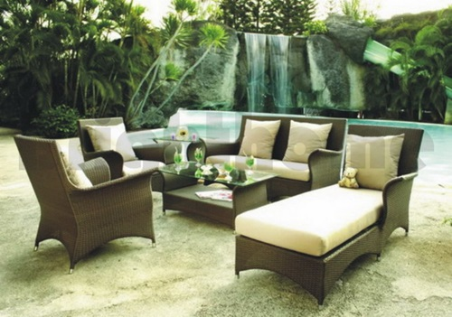 Outdoor Furniture and Backyard Wicker Furniture