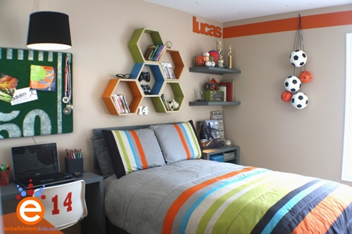 Children's room – Neutral colors – Football theme