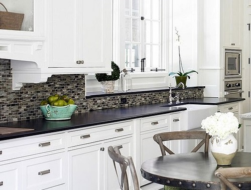 Complementary Kitchen Backsplash
