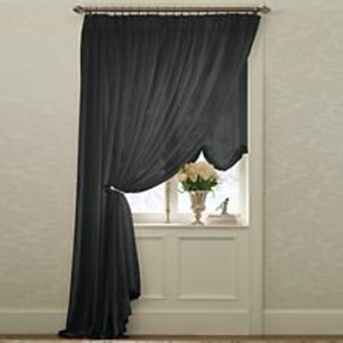 Insulated thermal curtains – light blackout