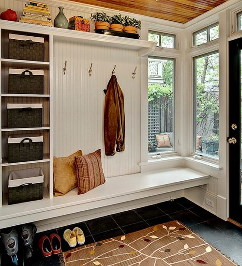 Practical Mudroom for Small Apartments