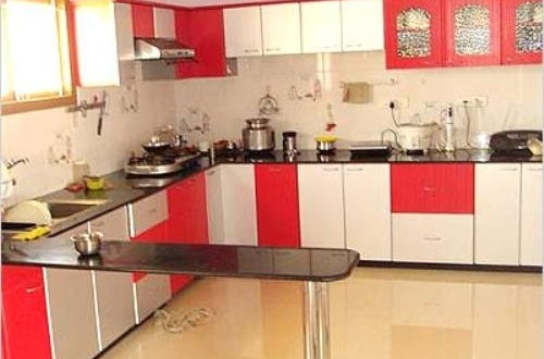 Red and white kitchen cabinets - Interior design