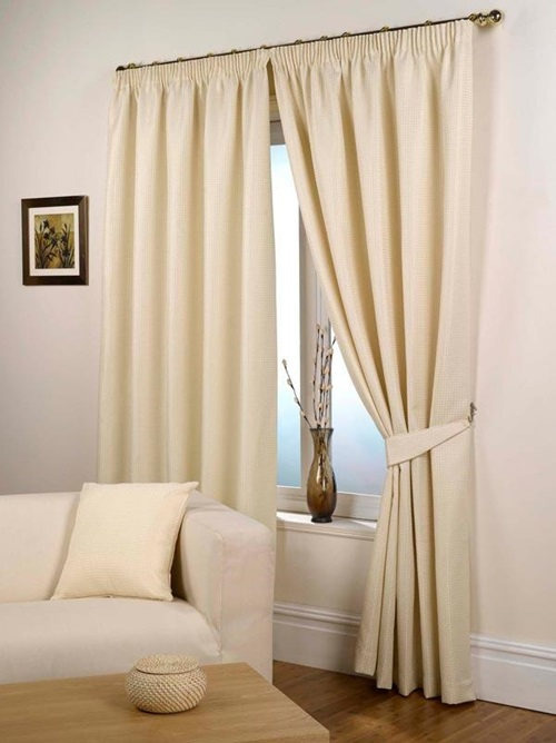 Room curtains in modern houses interior design for Interior designs curtains