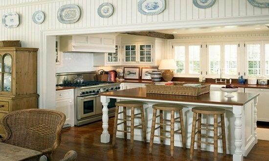 Traditional Costal Style Kitchen