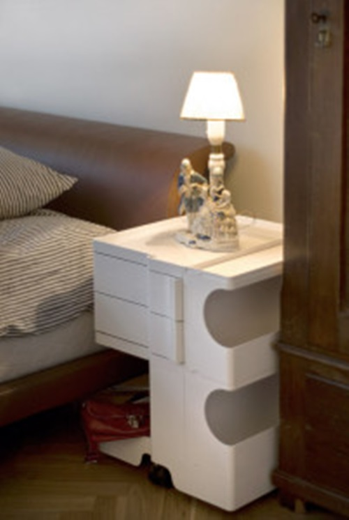 bedside tables for your bedroom