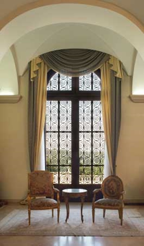 Window Curtain Design Ideas: Tips To Choose The Right Window Curtains