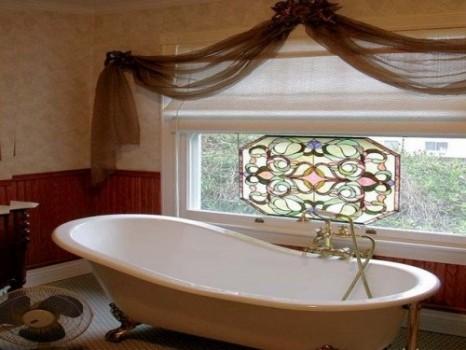 Окно в ванной комнате своими руками 128