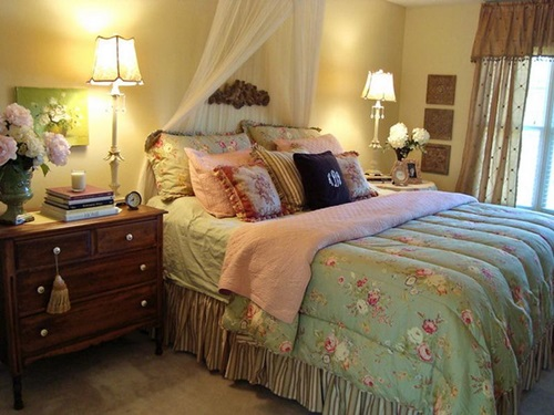 Cottage bedroom curtain ideas interior design for Bungalow bedroom ideas