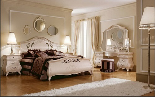 Decorating your antique victorian master bedroom for Antique style bedroom ideas
