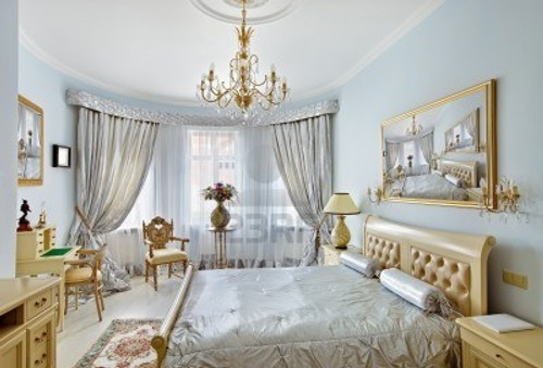 Decorating your antique victorian master bedroom for Victorian style master bedroom