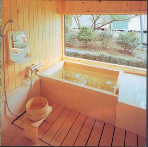 Japanese bathroom designs interior design for Asian small bathroom design