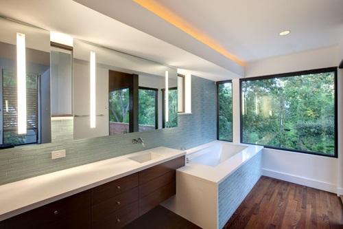 Master Bathroom Interior Designs - Simple and Luxurious