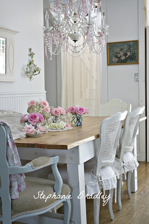 Traditional french dining room design interior design for Table salle a manger shabby chic