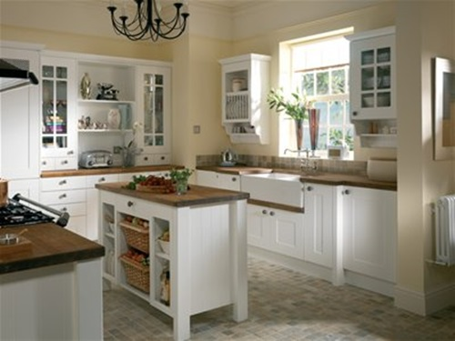 Victorian kitchen curtain ideas victorian style for Small victorian kitchen designs