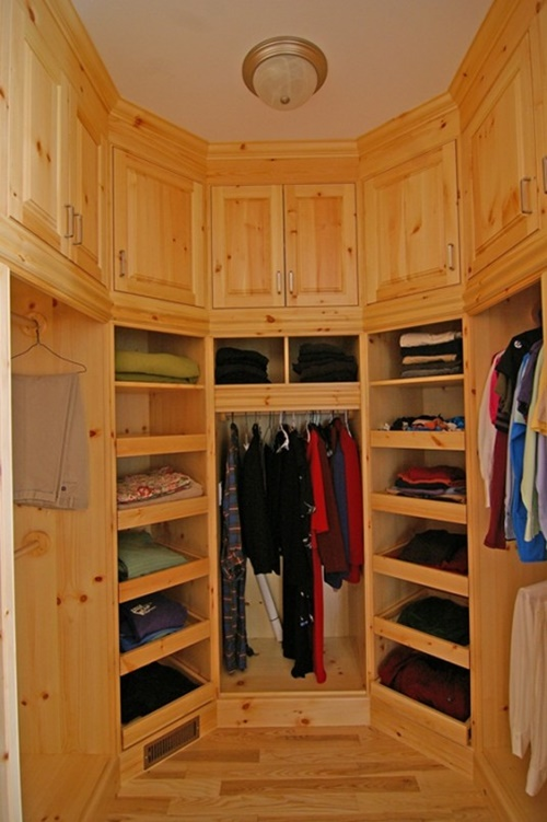 How to design a walk in closet in your bedroom interior Walk in bedroom closets