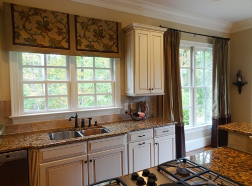 Kitchen Curtains - Renewing Your Kitchen Curtains