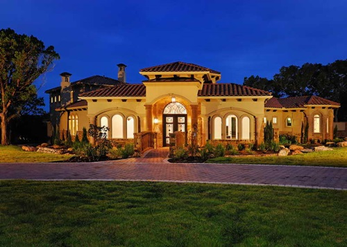 Tuscan house tuscan style through out your house for Small tuscan style house plans