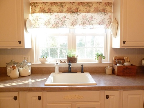 Using Curtains To Accessorize Your Kitchen