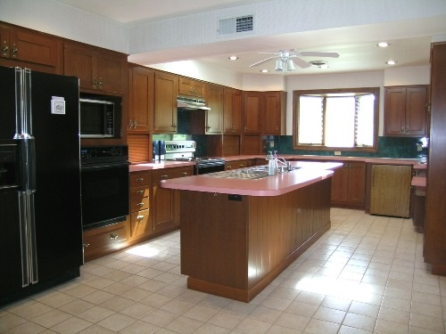 Kitchen islands beautiful and functional kitchen islands - Functional kitchen island designs ...