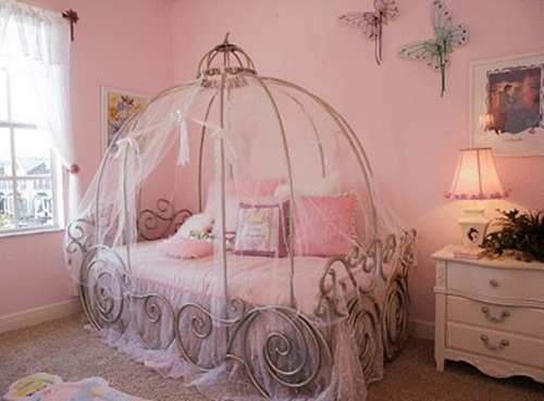 a bed room from a fairy tale for your young prince and princess interior design. Black Bedroom Furniture Sets. Home Design Ideas