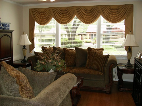 Gorgeous treatments and curtains for top windows for Interior blinds and designs