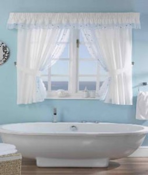 Bathroom curtains how to choose them and also keep the for Bathroom window curtains