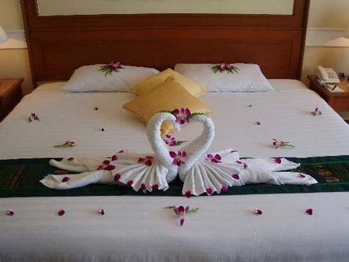 Romantic ideas to decorate your bedroom for valentine 39 s for Bedroom ideas for valentines day