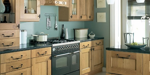 Practical designs for small kitchens for Smart small kitchen ideas