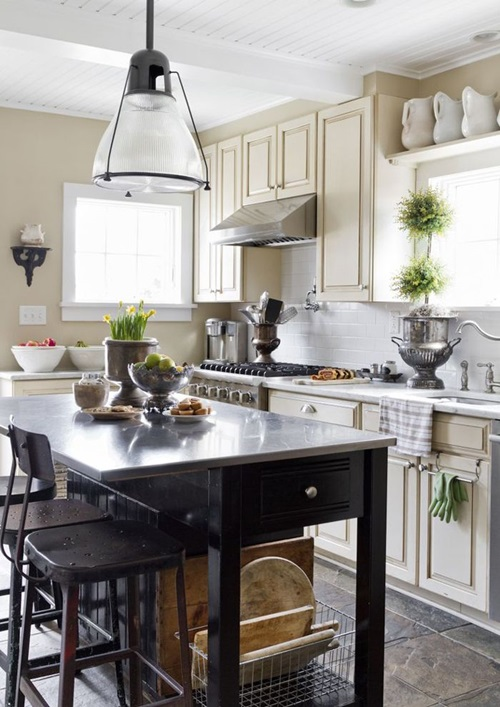 Stylish designs and tips for your kitchen faucet