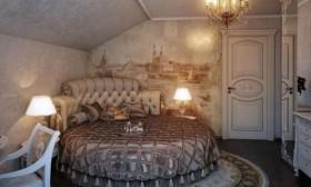 Attention Grabbing Bedroom Wall Decorating Ideas