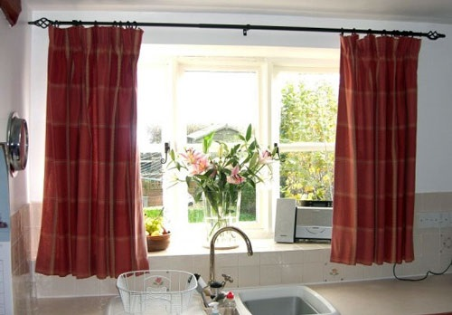How to Choose the Perfect Curtain for your Kitchen