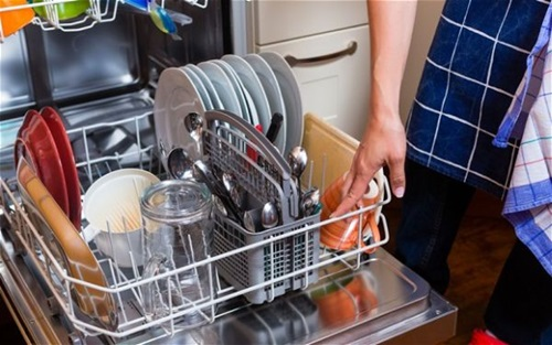 How to Clean and Maintain your Dishwasher