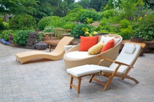 How to Clean your Outdoor Furniture