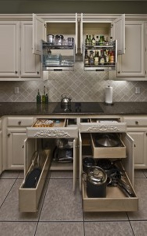 Innovative sliding cabinet shelves to save your kitchen for Sliding drawers for kitchen cabinets